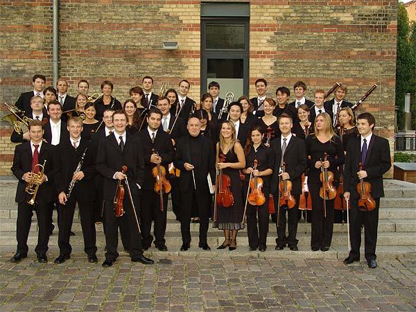 PRIMARTE-Orchester der Preisträger in symphonischer Besetzung anlässlich eines Openair Konzertes am 27.8.2005 in der Reihe KLASSIK SOMMER 2005 in der KULTURBRAUEREI BERLIN.